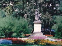 Palackého sady - pomník F. Palackého